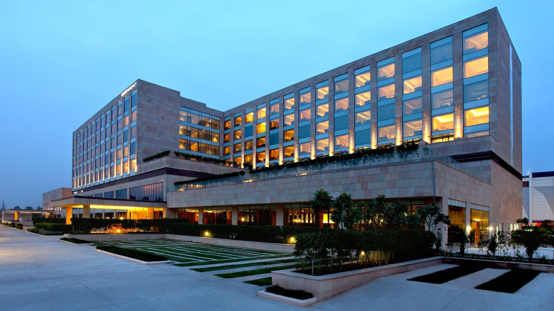 luxury five star hotel
